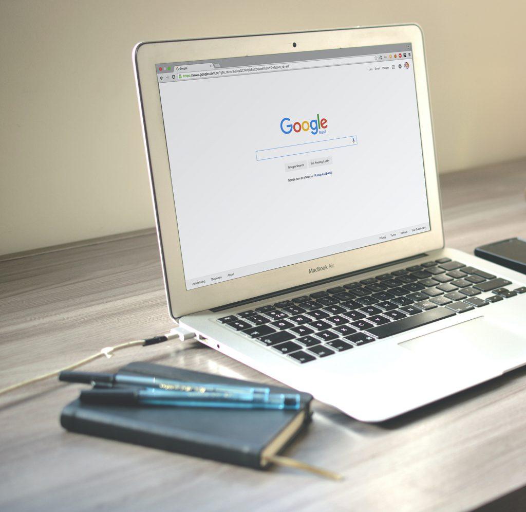 MacBook - Google
